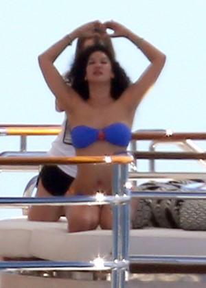 Kimora Lee in a bikini on yacht -02