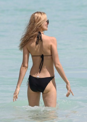 Kira Dikhtyar Swimsuit Photos: 2014 in Miami -03