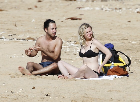 Kirsten Dunst – Black Bikini Candids in Hawaii-15