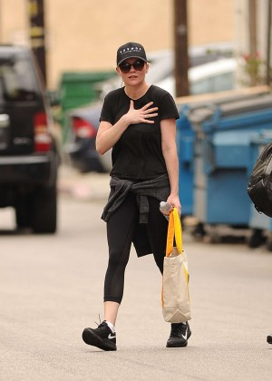 Kirsten Dunst in Tight Leggings - Out and about in LA
