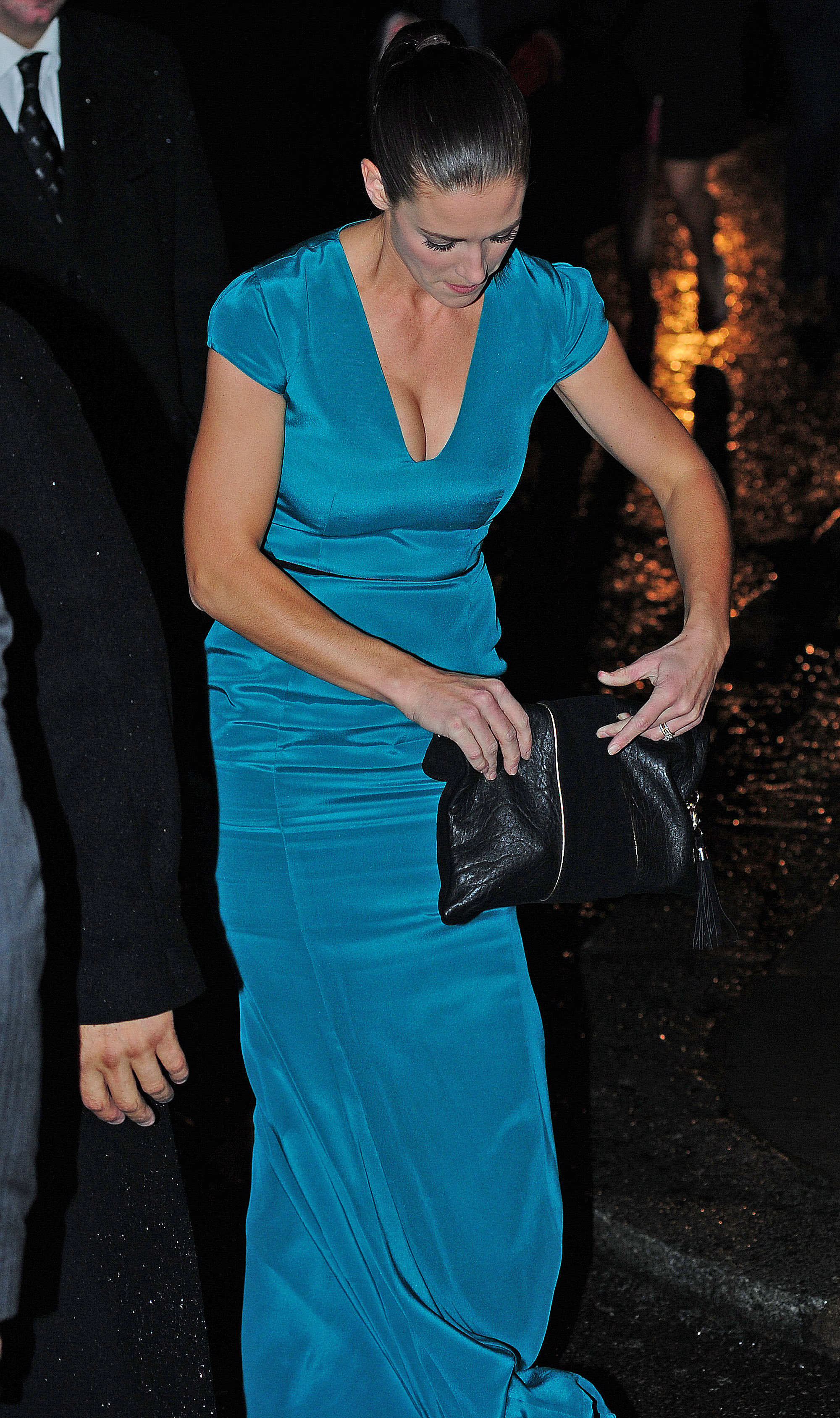 Kirsty Gallacher 2012 : Kirsty Gallacher cleavage-08