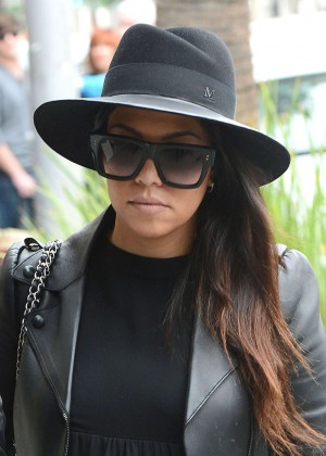 Kourtney Kardashian and Scott Disick - Out for Lunch in Beverly Hills