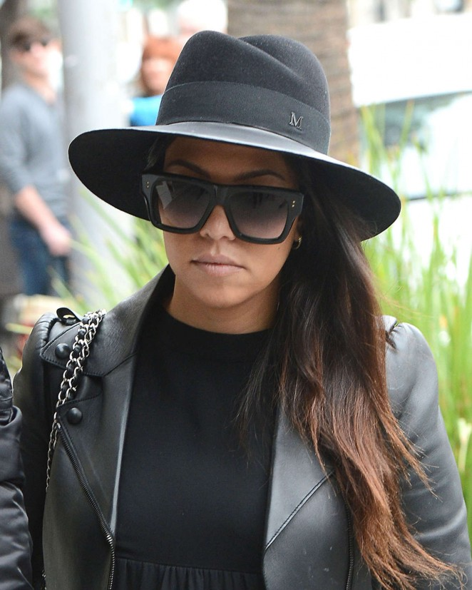 Kourtney Kardashian – Out for Lunch in Beverly Hills