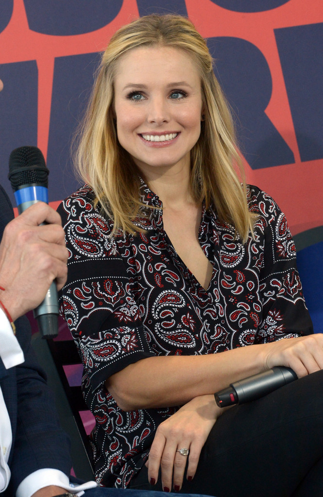 Kristen Bell: 2014 CMT Music Awards Press Conference -13