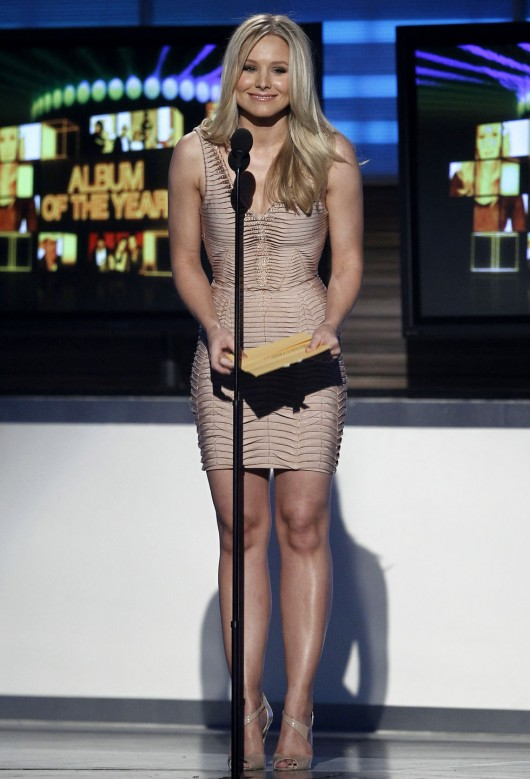 kristen-bell-at-45th-annual-academy-of-country-music-awards-08