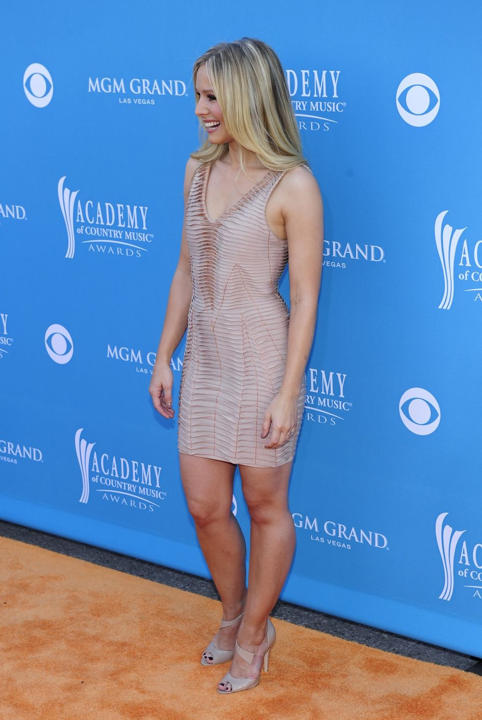 Kristen Bell 2010 : kristen-bell-at-45th-annual-academy-of-country-music-awards-10