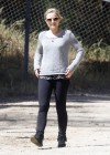 Kristen Bell at Griffith Park-02