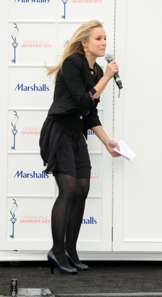kristen-bell-at-marshalls-dress-for-success-fashion-show-2010-07