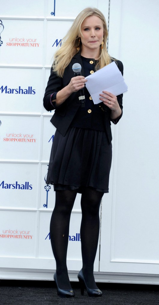 kristen-bell-at-marshalls-dress-for-success-fashion-show-2010-26