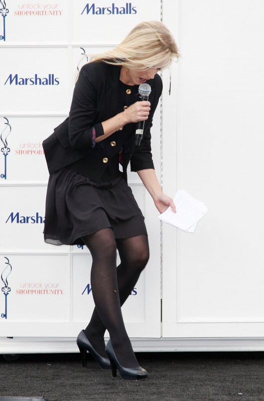 kristen-bell-at-marshalls-dress-for-success-fashion-show-2010-28