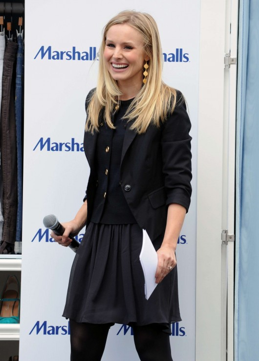 kristen-bell-at-marshalls-dress-for-success-fashion-show-2010-30