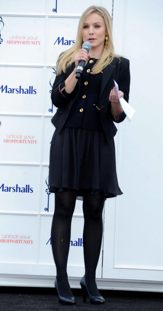 kristen-bell-at-marshalls-dress-for-success-fashion-show-2010-32