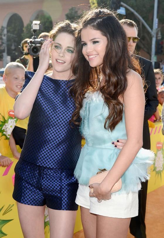 Kristen Stewart – 2013 Kids Choice Awards -09