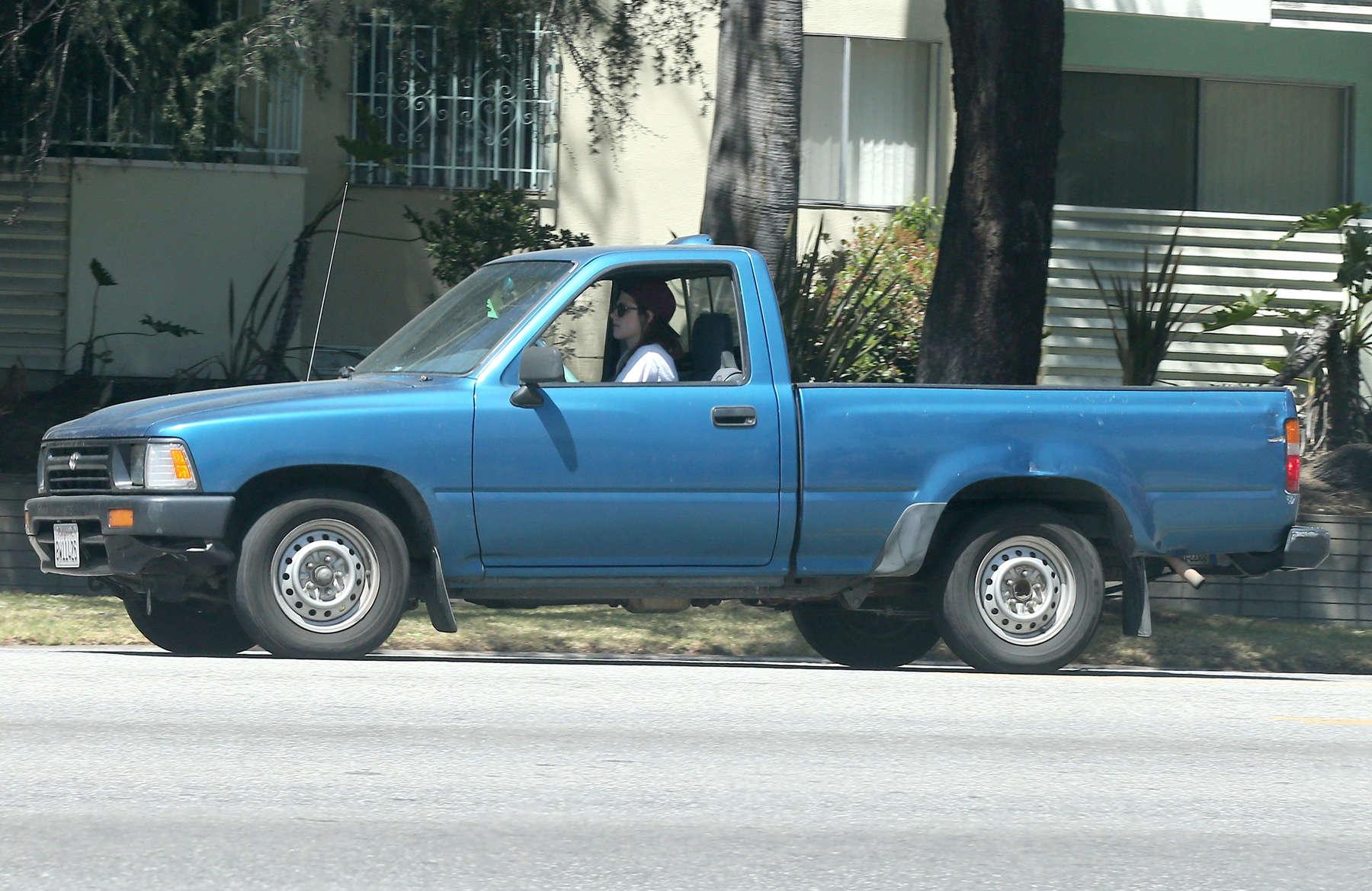 Kristen Stewart - Driving an old pick up truck in LA -02 - GotCeleb