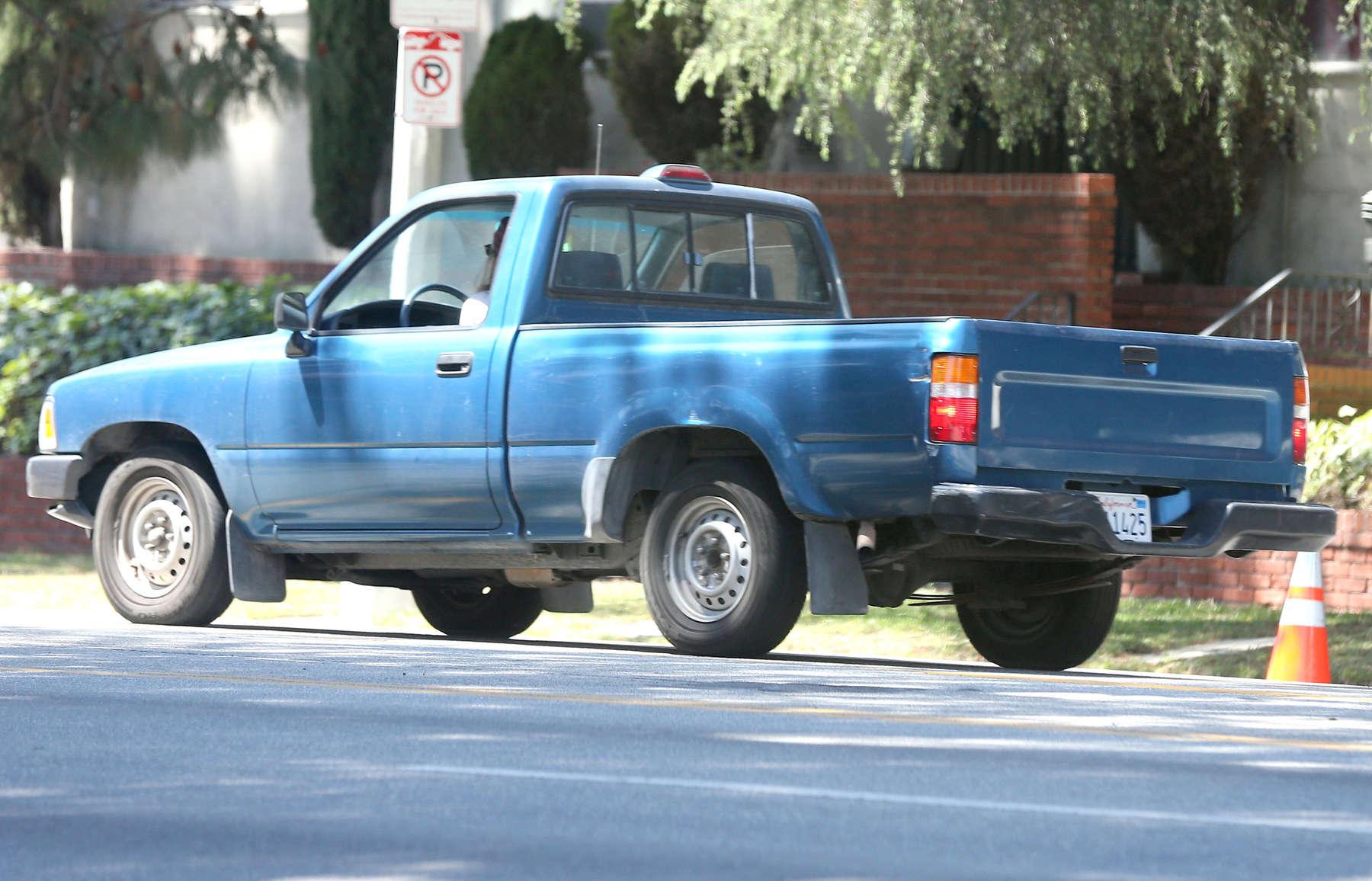 Kristen Stewart - Driving an old pick up truck in LA -03 ...