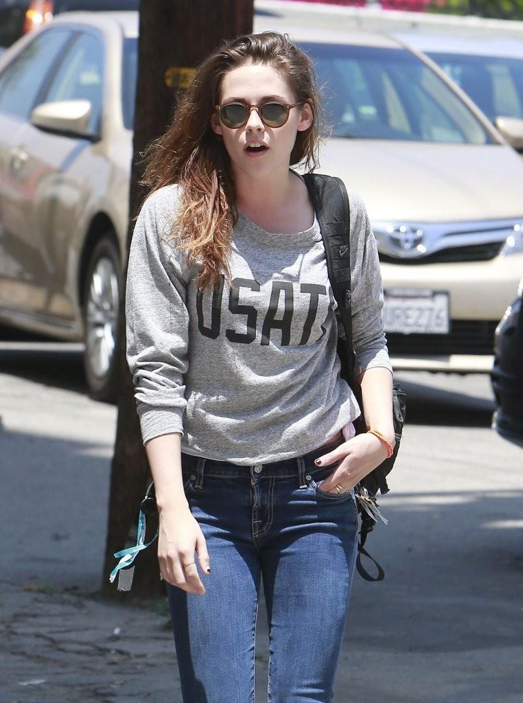 Kristen Stewart In Tight Jeans 19 Gotceleb