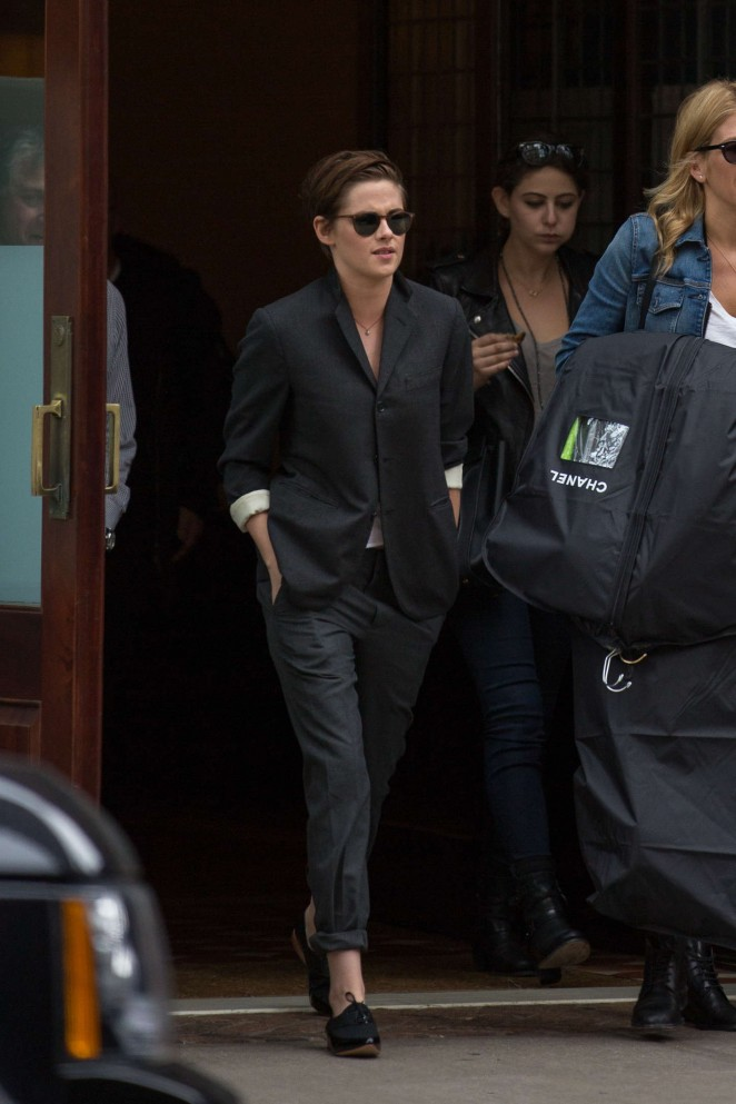 Kristen Stewart - Leaving her hotel in NYC