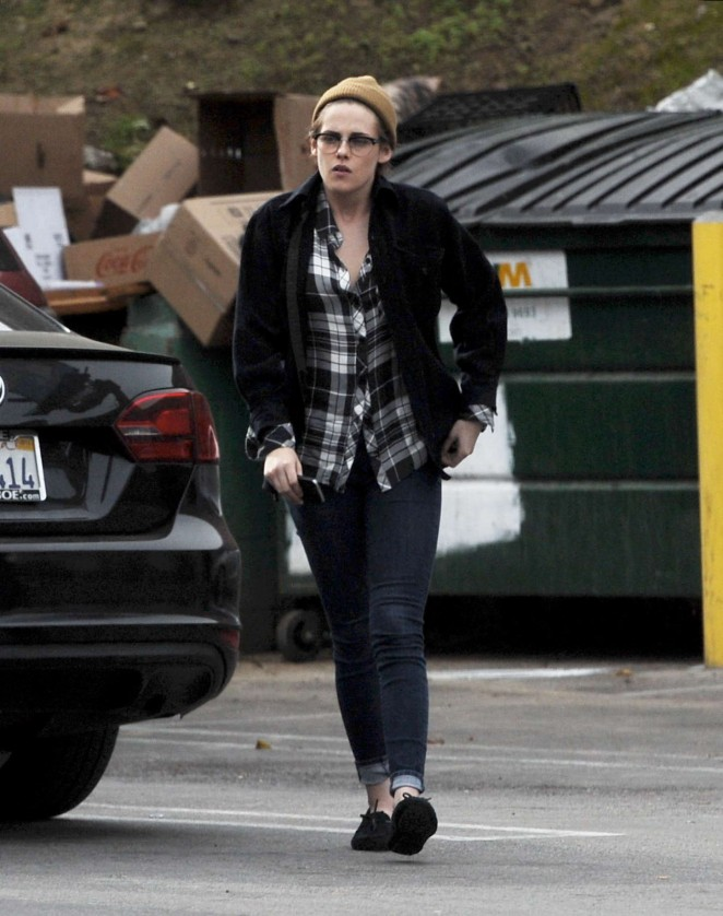 Kristen Stewart With Friend Out for Lunch in Silverlake