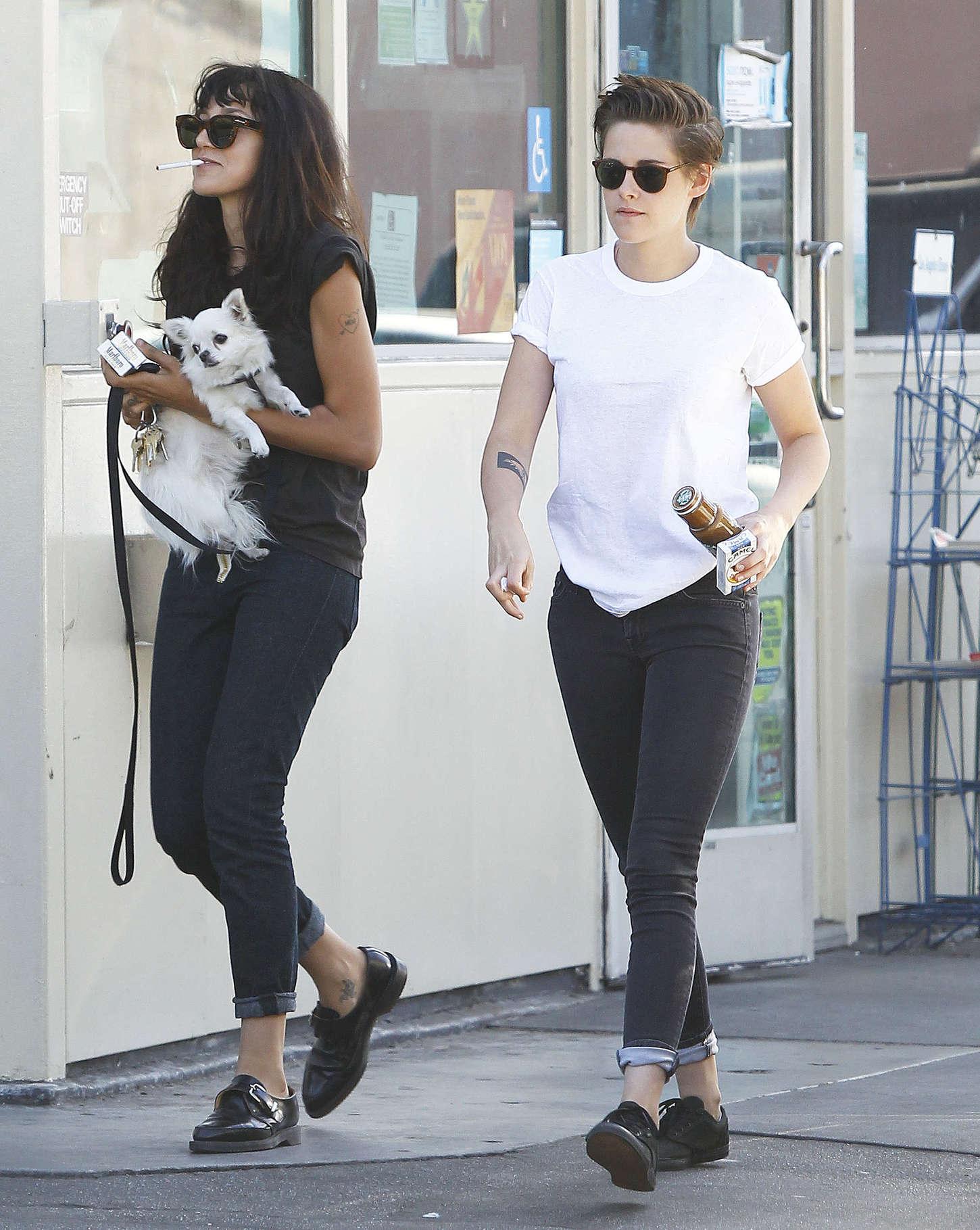 Kristen Stewart Street Style In La 04 Gotceleb