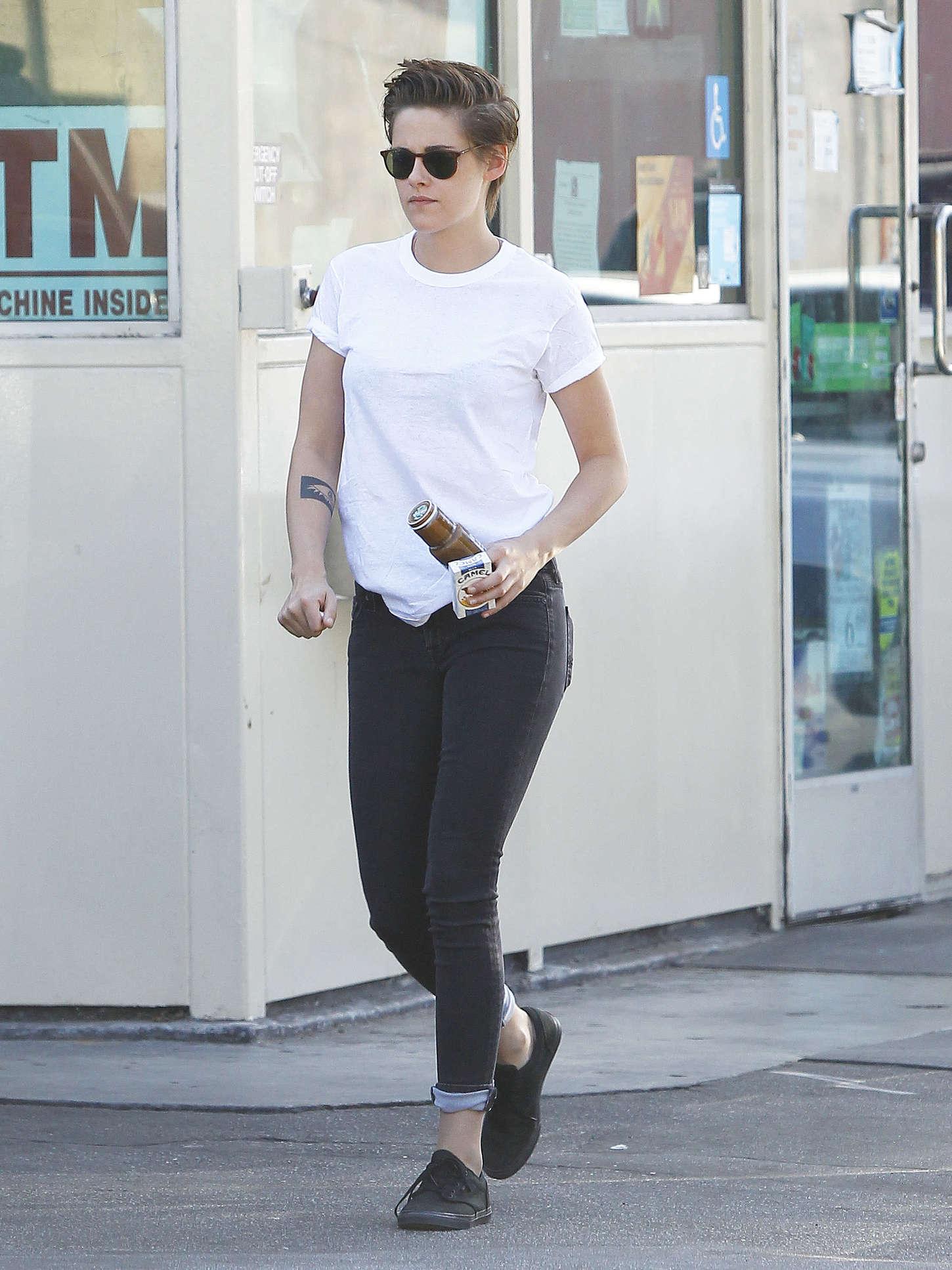 Kristen Stewart Street Style In La 12 Gotceleb