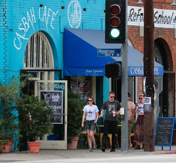 Kristen Stewart and Robert Pattinson in Los Feliz-17