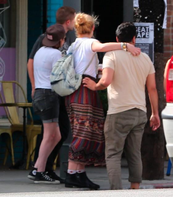 Kristen Stewart and Robert Pattinson in Los Feliz-30
