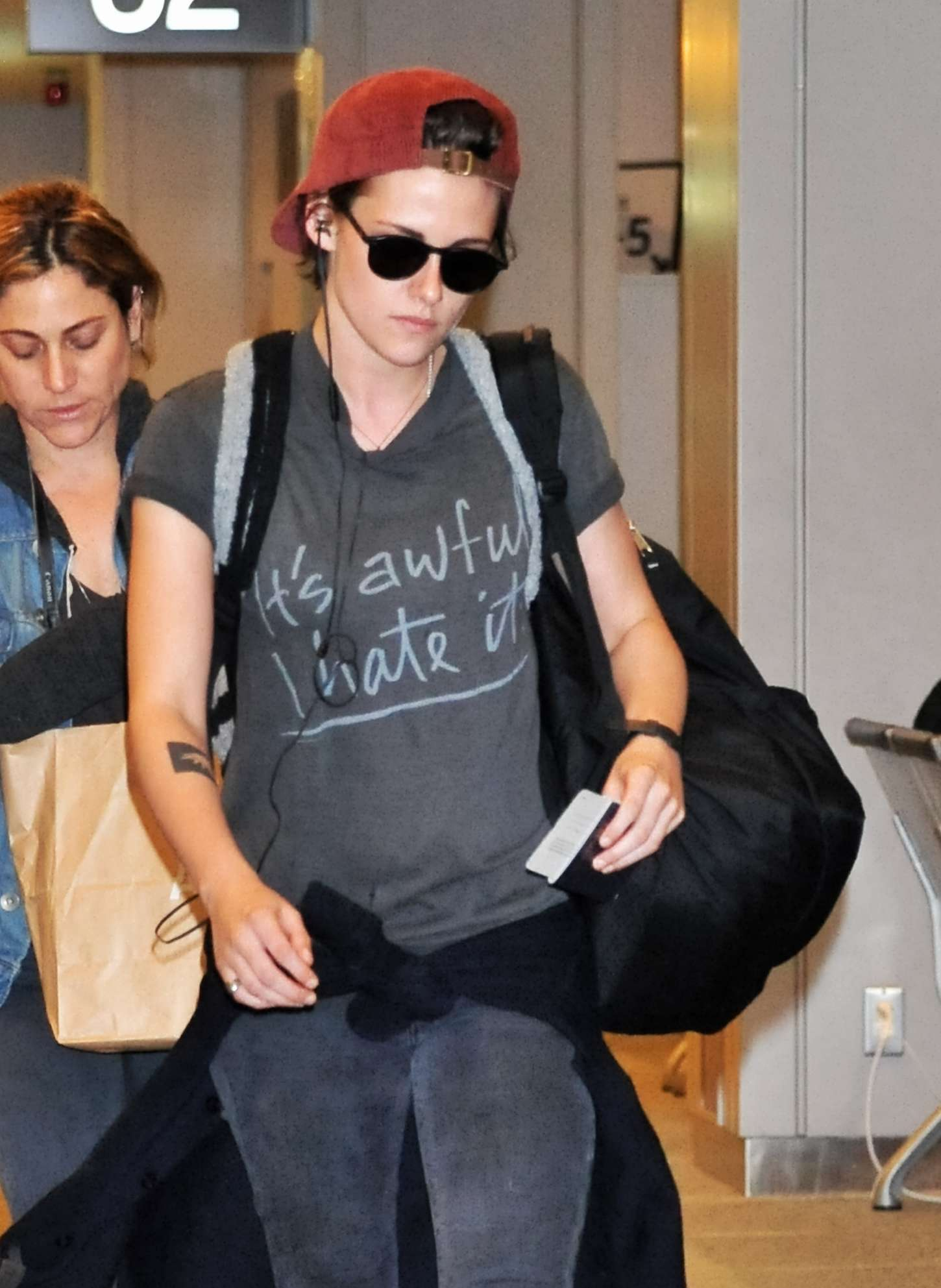 Kristen Stewart Seen at Narita Airport