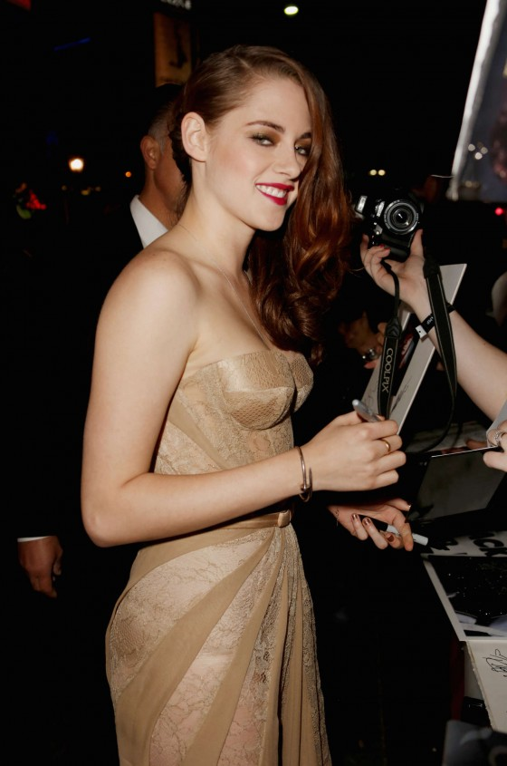 Kristen Stewart – The Twilight Saga Breaking Dawn 2 premiere in LA-04