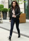 Kristen Stewart - Tight jeans candids in New York