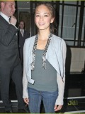 kristin-kreuk-candids-in-london-02