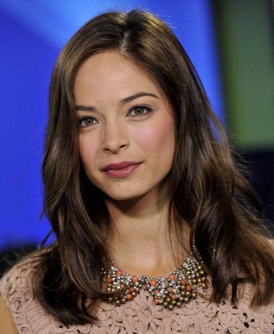 Kristin Kreuk – The Morning Show-04