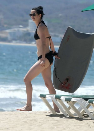 Krysten Ritter bikini: 2014 in Miami -08