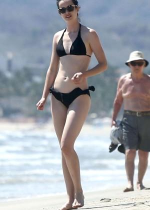 Krysten Ritter bikini: 2014 in Miami -13