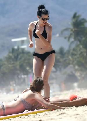 Krysten Ritter bikini: 2014 in Miami -19