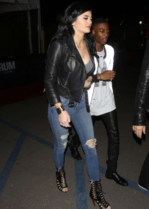 Kylie Jenner Booty in Jeans -05
