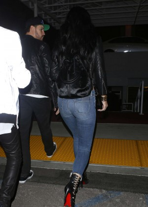 Kylie Jenner Booty in Jeans -08