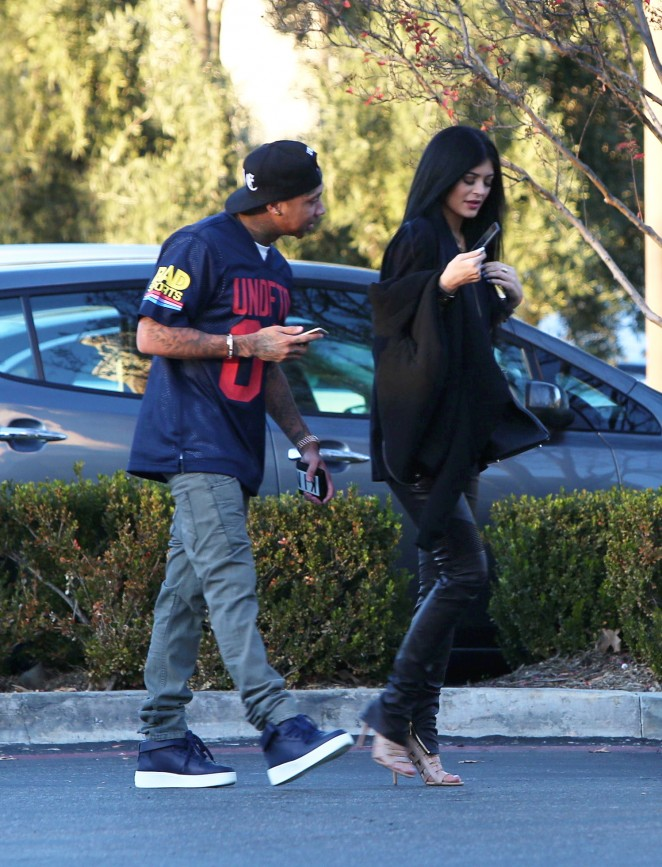 Kylie Jenner – Out for Lunch in Calabasas