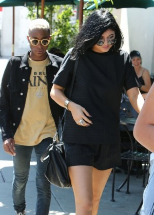 Kylie Jenner Out for lunch in West Hollywood -02