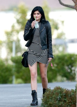 Kylie Jenner Seen out in Calabasas-11