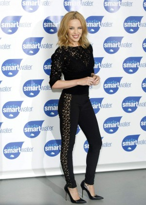 Kylie Minogue - Glaceau Smartwater Launch Photocall in london