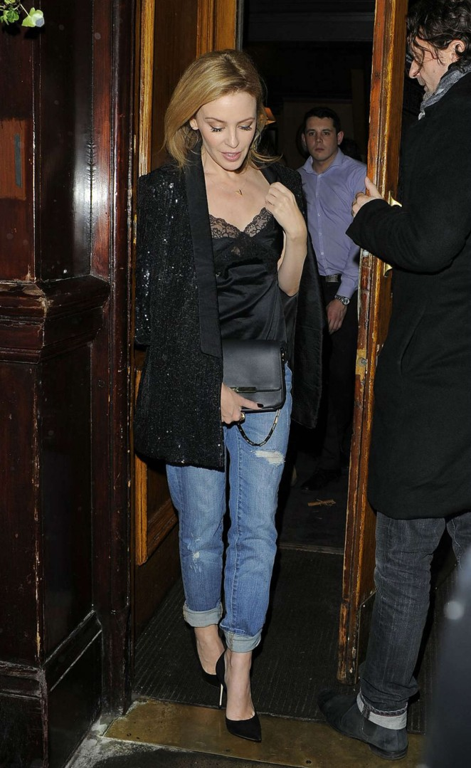 Kylie Minogue – Leaves The Guinea Grill Pub in London