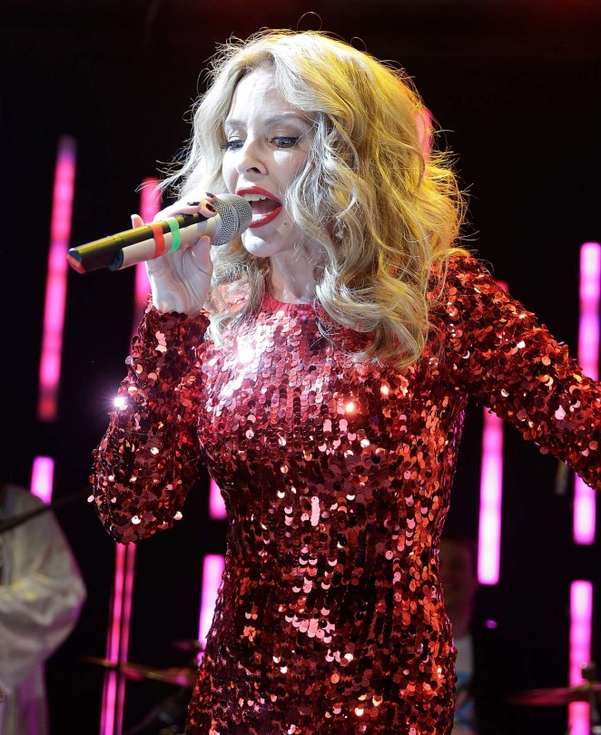 Kylie Minogue - Performs at 'A Dolly Good Xmas' in New York