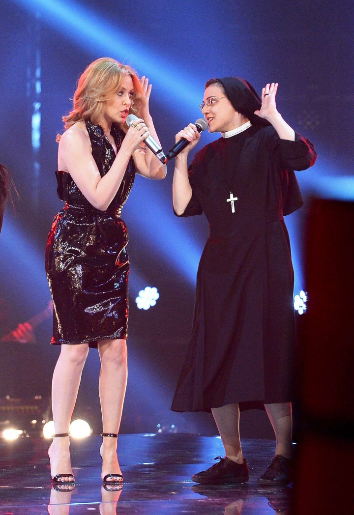 Kylie Minogue: 2014 The Voice Of Italy -01