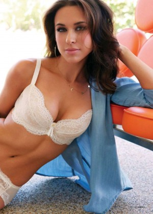 Lacey Chabert: Maxim 2014 -01