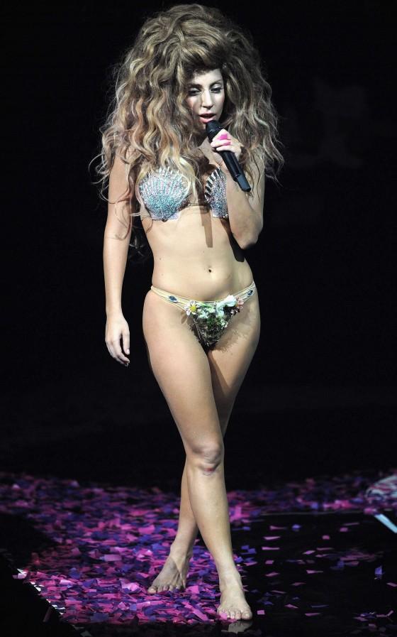 Lady Gaga – 2013 iTunes Festival -19