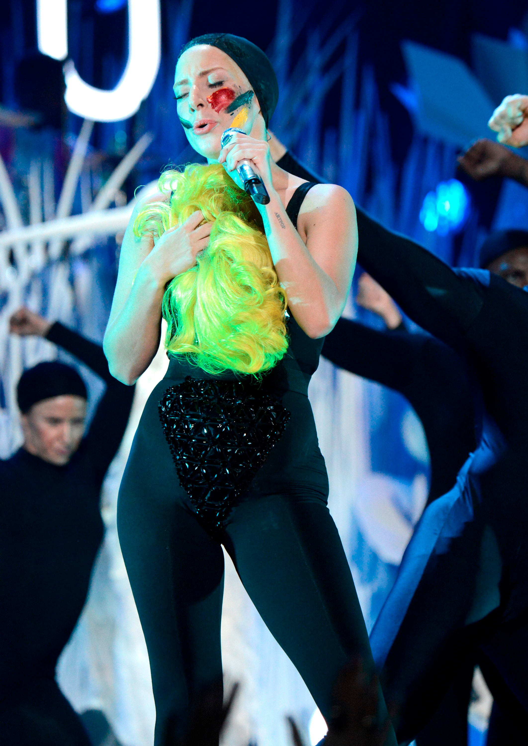 Lady Gaga Pictures: VMA 2013 HOT Performance -15