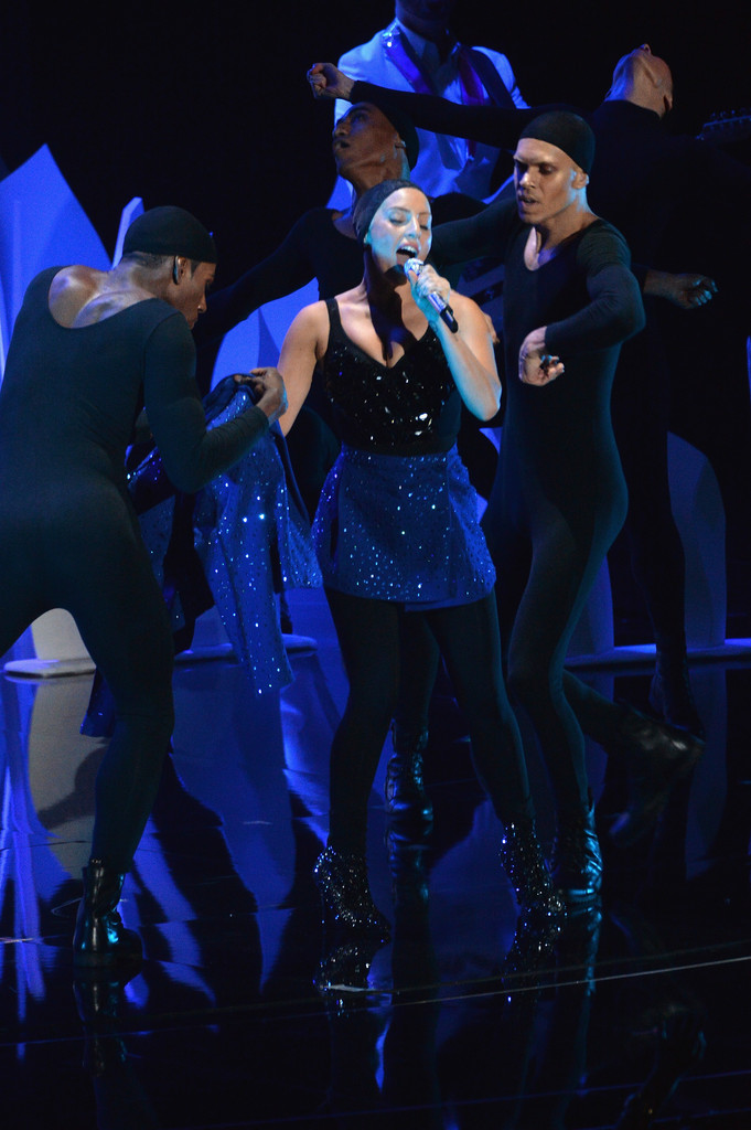 Lady Gaga Pictures: VMA 2013 HOT Performance -35