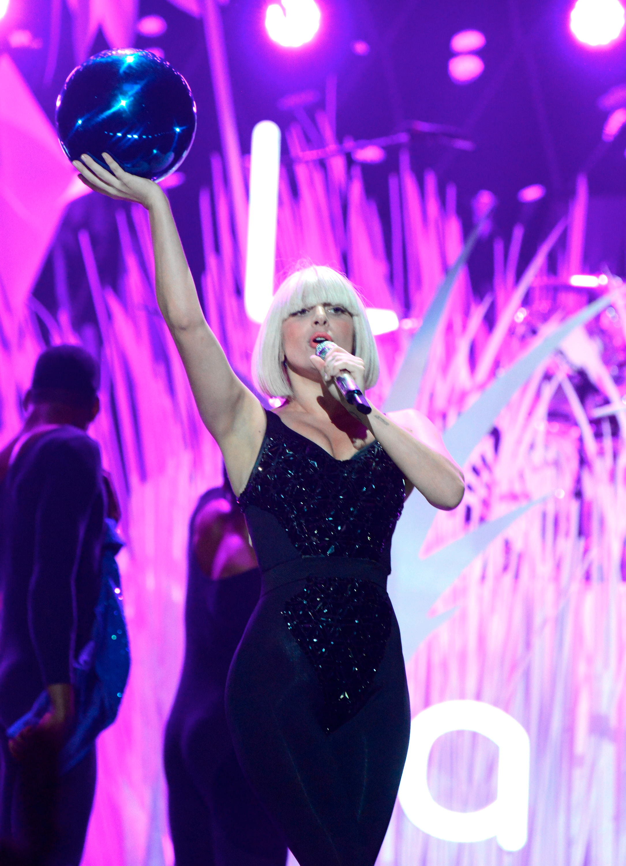 Lady Gaga Pictures: VMA 2013 HOT Performance -78
