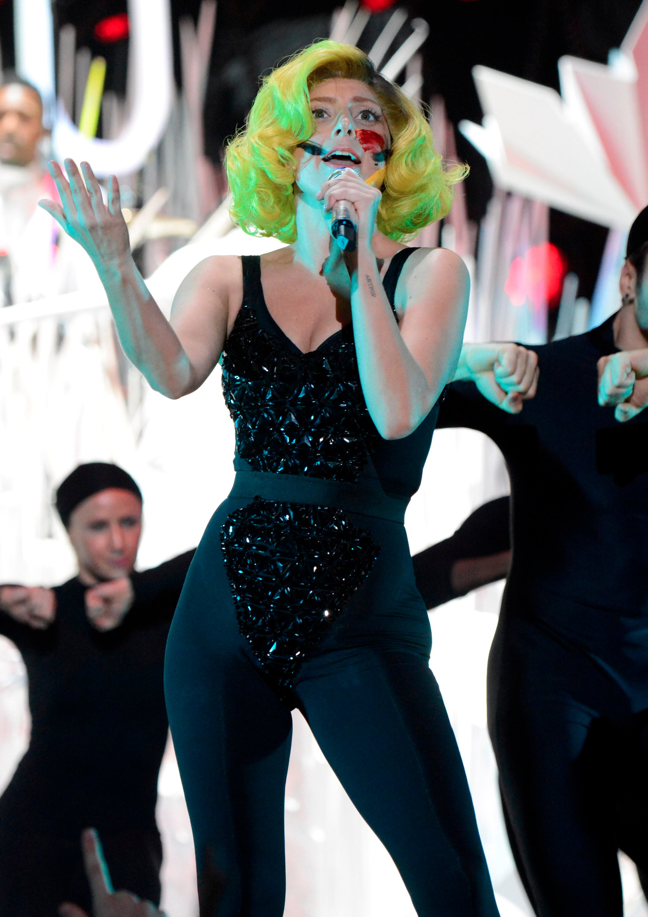Lady Gaga Pictures: VMA 2013 HOT Performance -86
