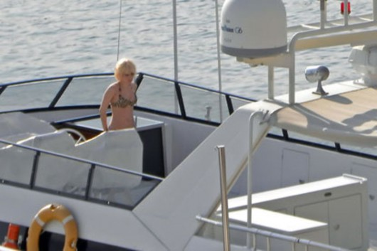 lady-gaga-bikini-candids-in-st-tropez-not-hq-03